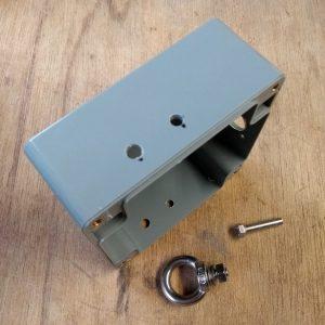 Manual 1:1 BalUn 800 Watt enclosure Holes