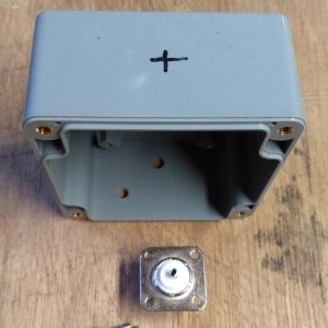 endFed Behuizing IP65 82x80x55 gaten connector01